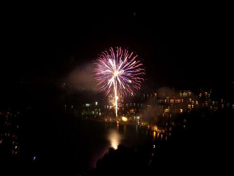 Grosses Seefeuerwerk  in Gravedona