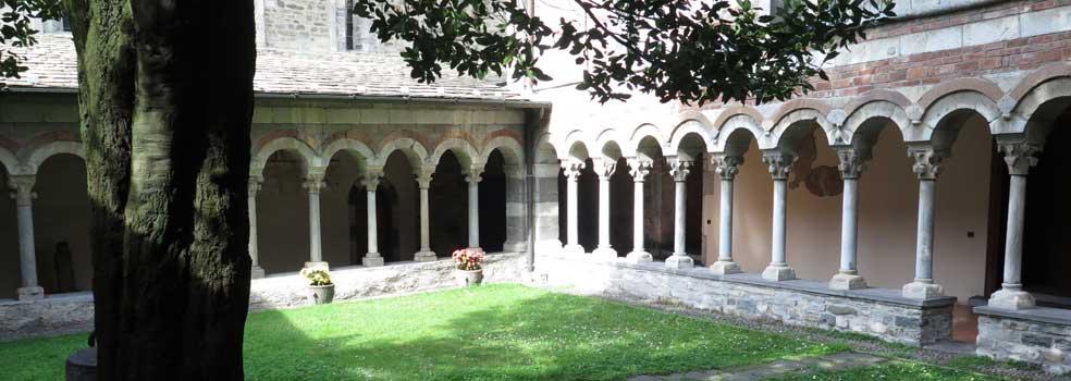 Kreuzgang aus dem 13 Jh. in der Abtei Piona bei Colico.