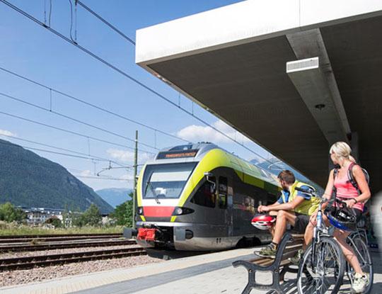 Mitnahme von Fahrrad im Zug und Schiff