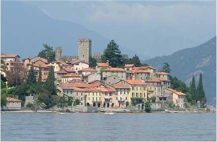Rezzonico mit Schloss