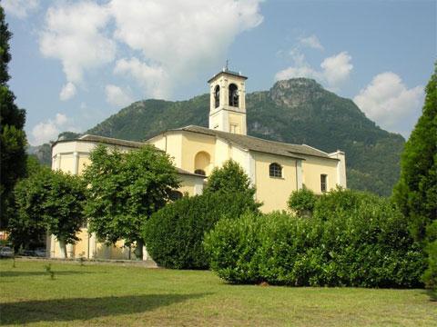 Kirche S. Stefano Dongo